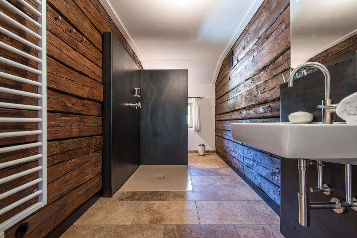 2 bathrooms in your Alpine chalet